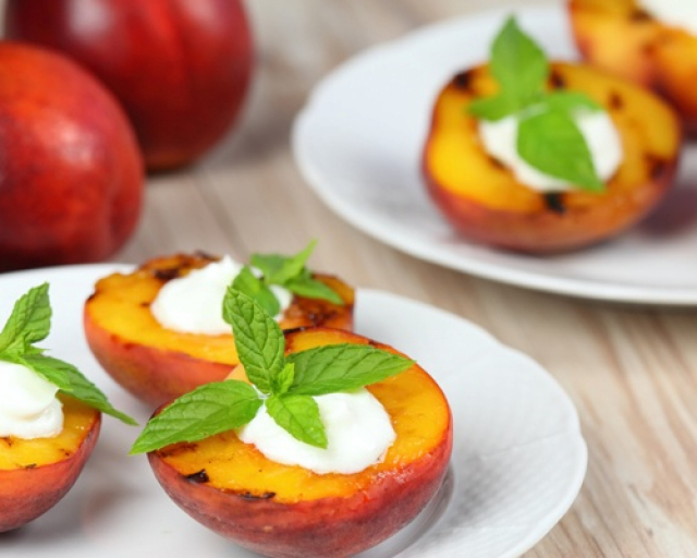 Easy Grilled Peaches & Nectarines